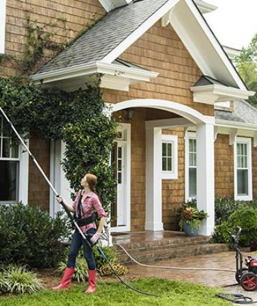 Tips and Methods for Pressure Washing Your House Exterior